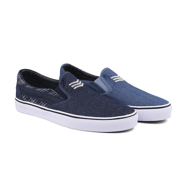 Denim slip on man skate shoes