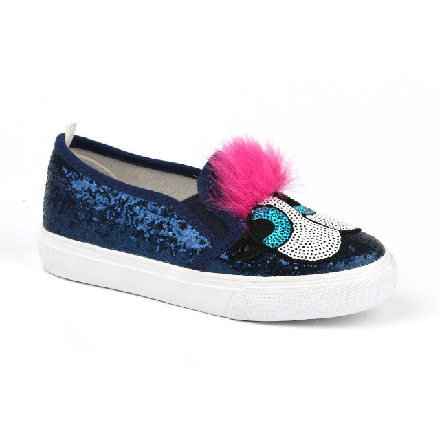 Pretty no lace child loafer