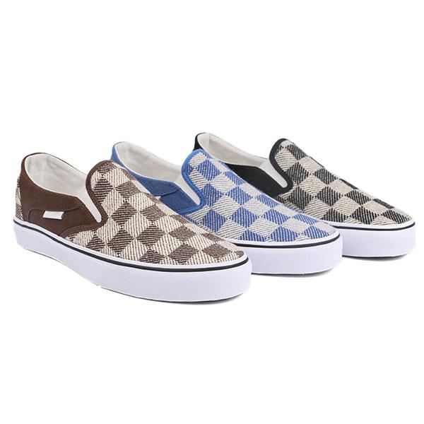 Custom slip on woman skate shoes