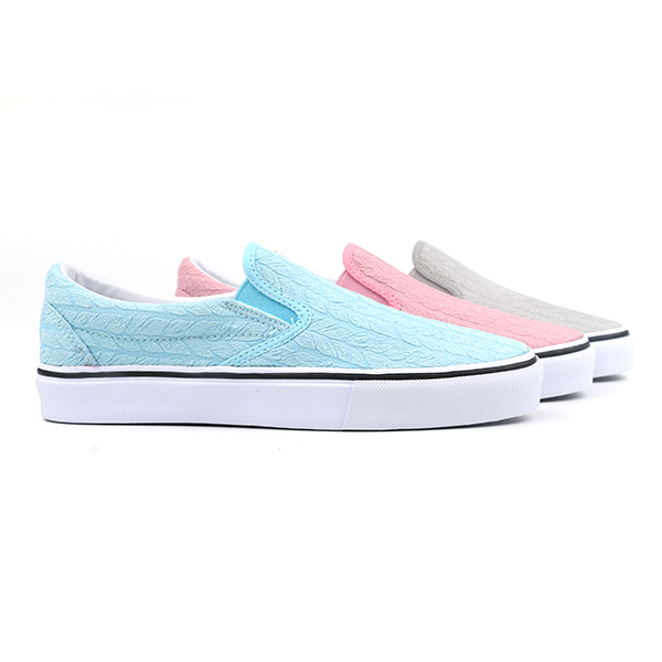 New style slip on woman skate shoes