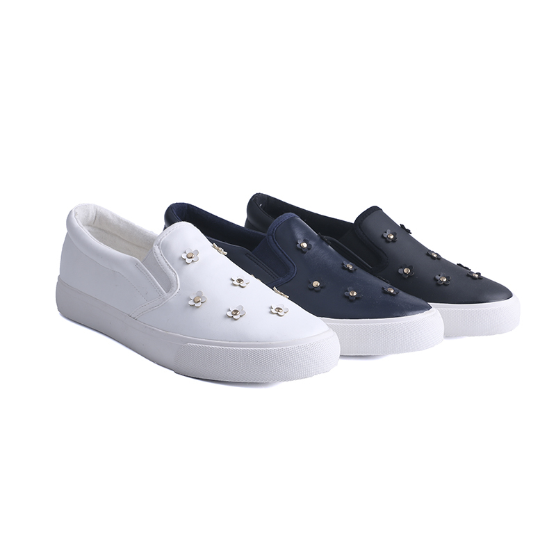 Manufacture no lace girl's school shoes