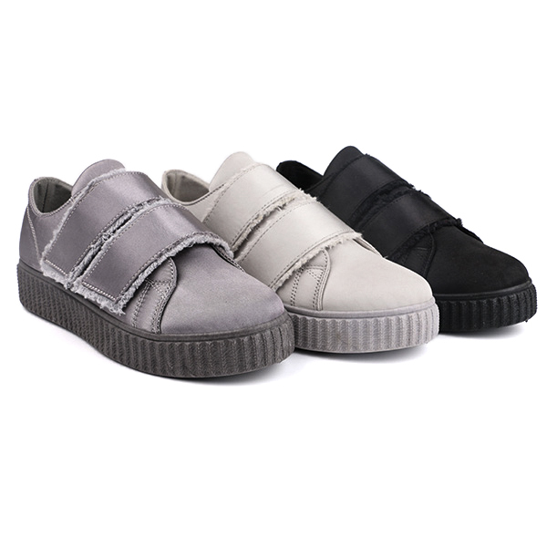 Buckle strap low cut lady casual shoes