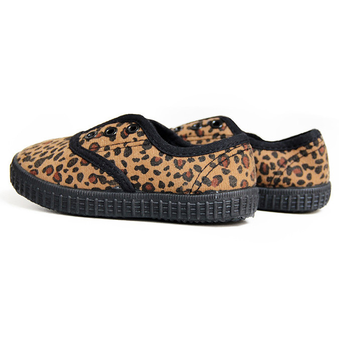 Leopard slip on baby gym shoes
