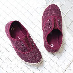 Grid slip on baby gym shoes