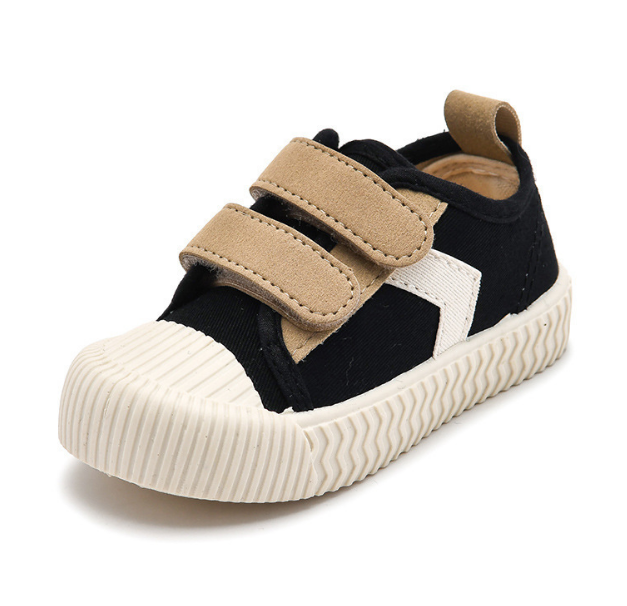 Fabric buckle strap baby gym shoes