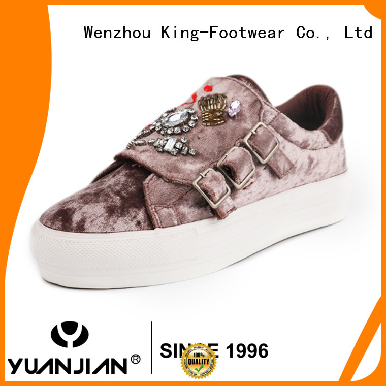 popular fashion footwear supplier for traveling